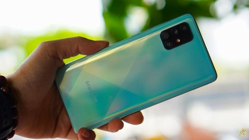 Samsung Galaxy A71 | Mặt sau