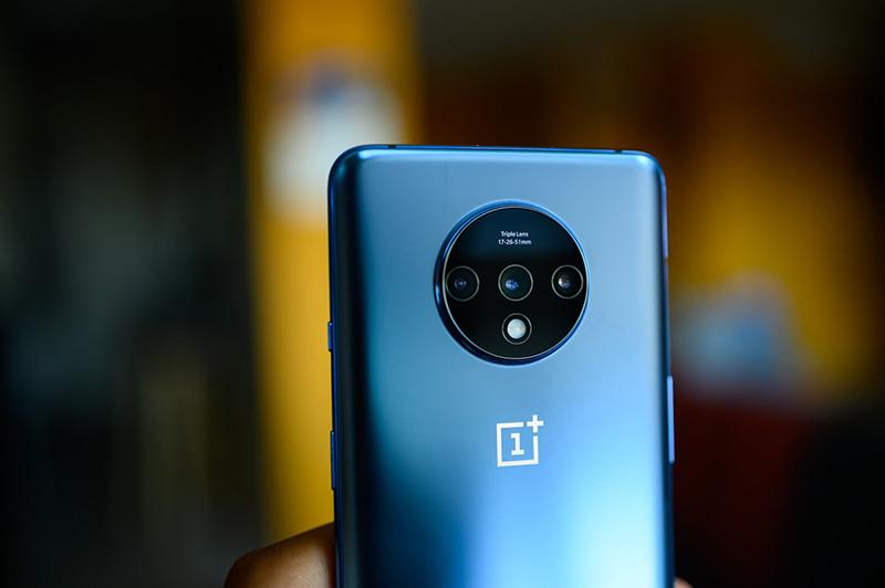 Điện thoại OnePlus 7T | Bộ ba camera sau chất lượng tốt