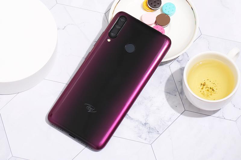 Điện thoại smartphone Itel S15 Pro | Thiết kế mặt lưng