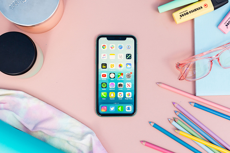 iPhone 11 64GB កាមេរ៉ា 12MP