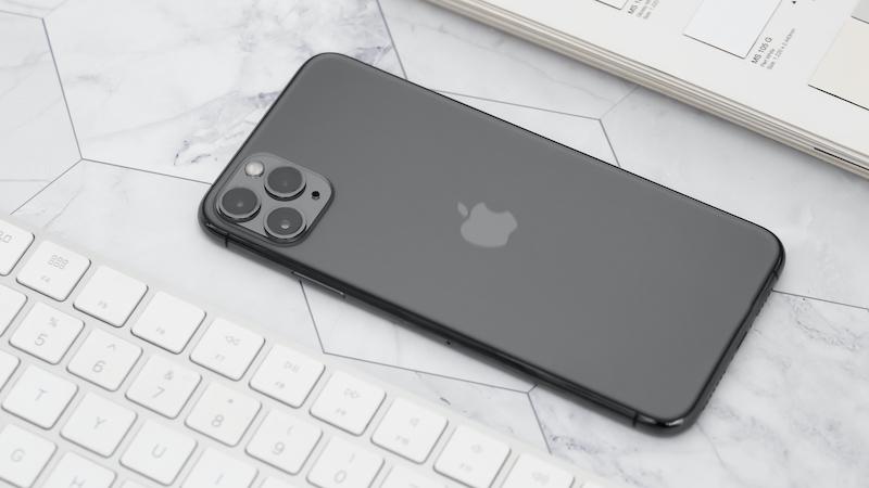 Điện thoại iPhone 11 Pro Max 512GB | Thiết kế kính không để lại mồ hôi, dấu vân tay