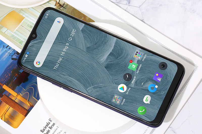 Điện thoại Realme 5 128GB | Thiết kế màn hình tràn viền