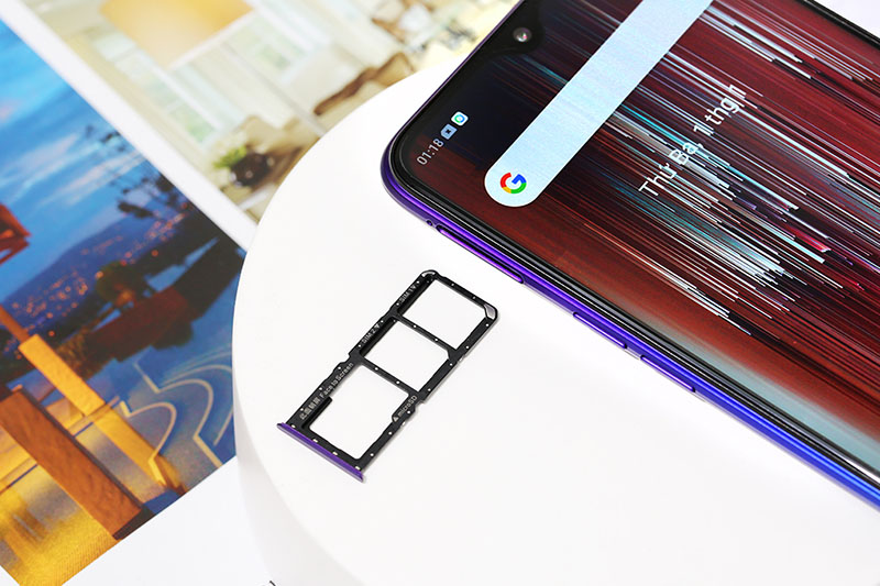Điện thoại Realme 5 Pro 8GB | Thiết kế camera trước