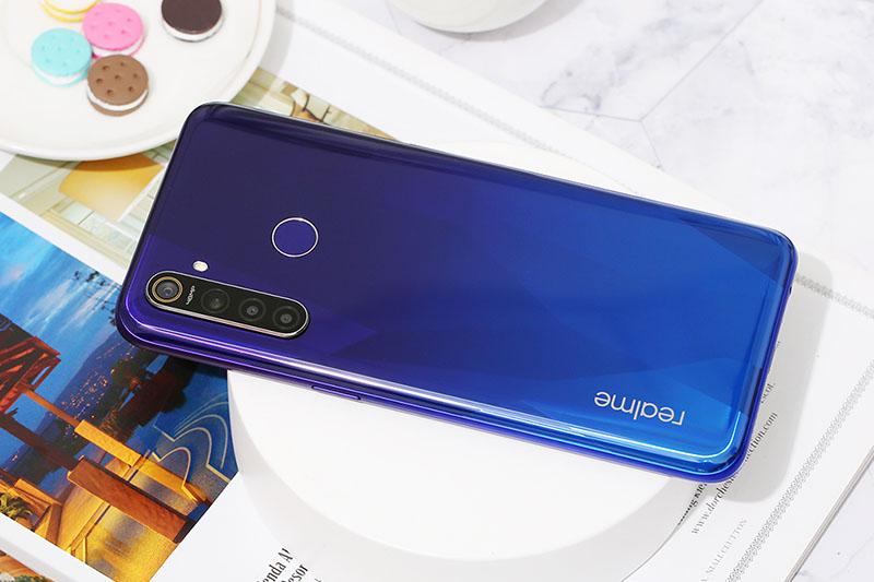 Điện thoại Realme 5 Pro 8GB | Thiết kế mặt sau