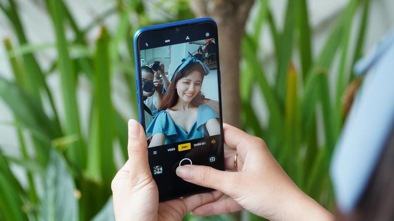 Điện thoại Realme 5 Pro 8GB | Camera trước