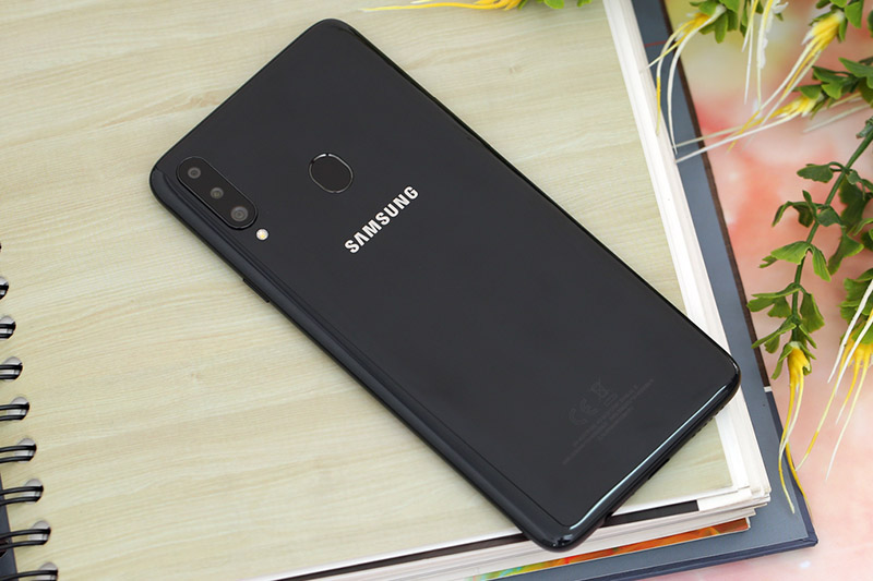 Điện thoại Samsung Galaxy A20s 32GB | Thiết kế mặt lưng