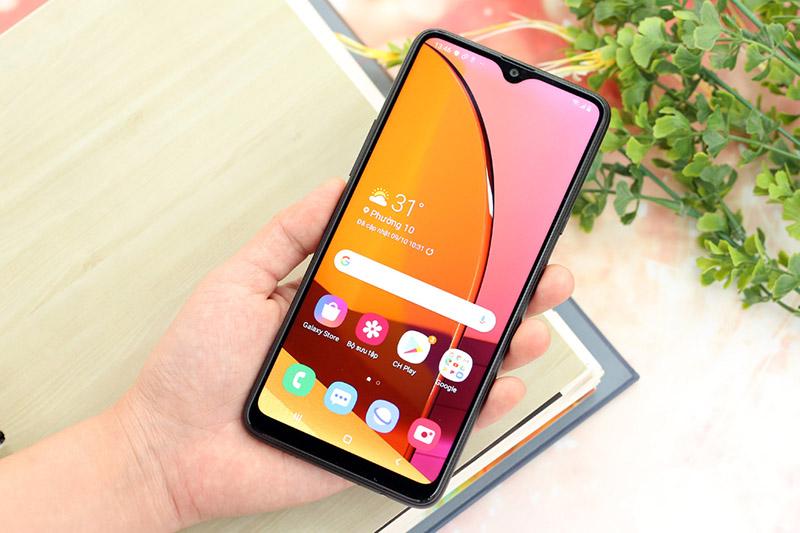 Điện thoại Samsung Galaxy A20s 32GB | Thiết kế màn hình