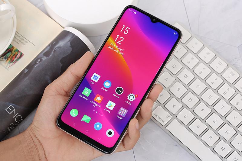 Điện thoại OPPO A5 (2020) 128GB | Trải nghiệm cầm nắm