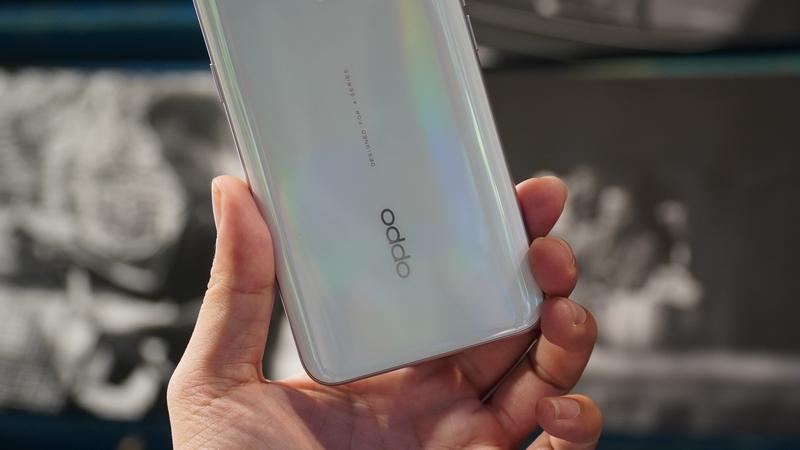 Điện thoại OPPO A5 (2020) 128GB | Thiết kế