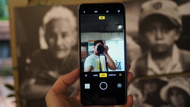 Điện thoại OPPO A5 (2020) 128GB | Camera trước