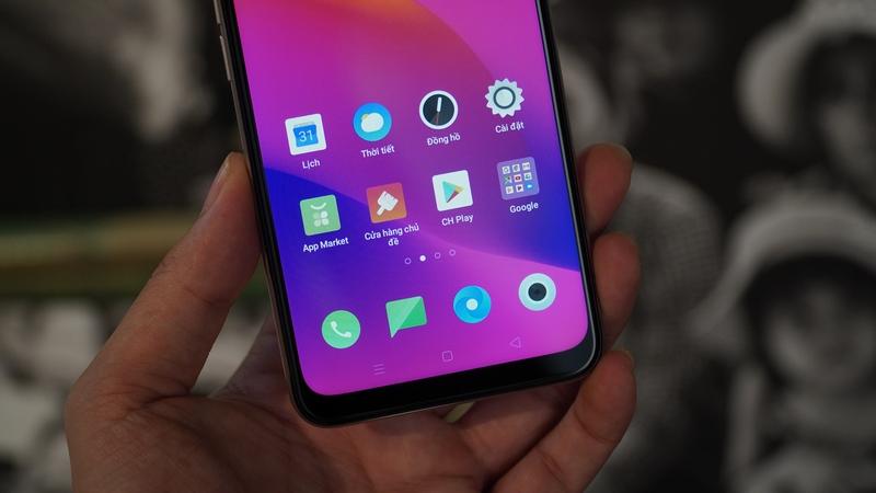 Điện thoại OPPO A5 (2020) 128GB | Màn hình