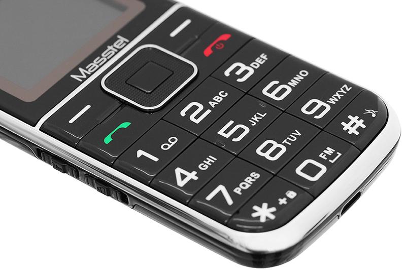 Điện thoại Masstel Fami 12 | Bàn phím T9 kích thước lớn, dễ thao tác