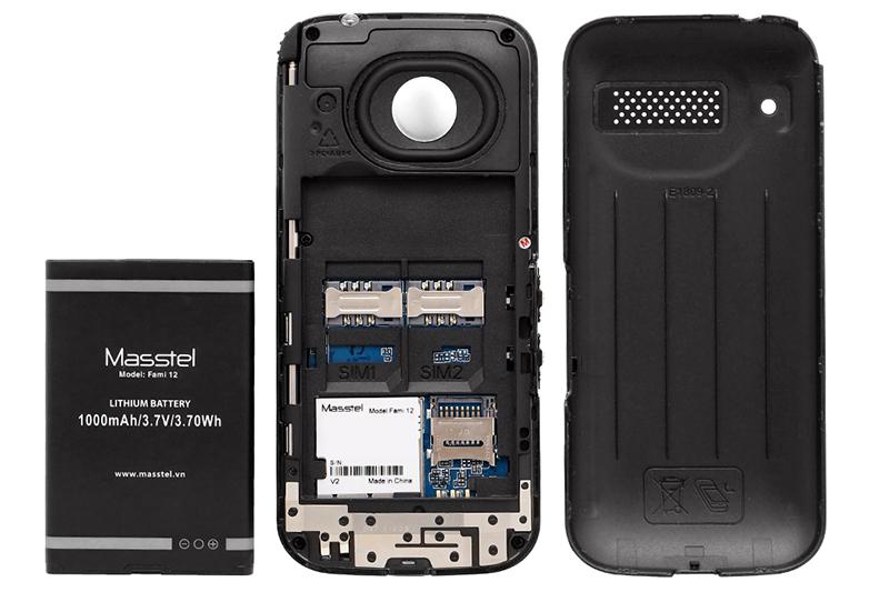 Điện thoại Masstel Fami 12 | Thiết kế pin rời tiện lợi