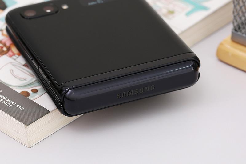 Điện thoại Samsung Galaxy Z Flip | Thiết kế bản lề mới với độ bền cao