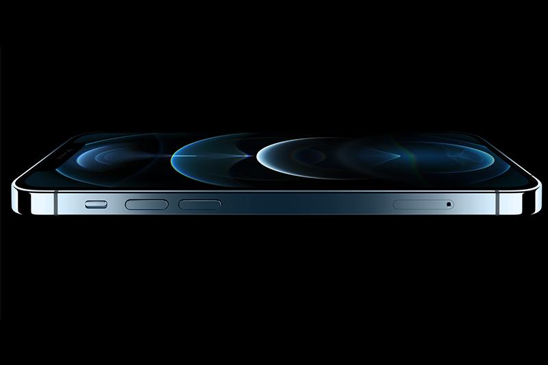 Mặt kính Ceramic Shield bền hơn gấp 4 lần khi rơi vỡ | iPhone 12 Pro 128 GB