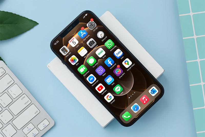Trải nghiệm cực đã trên màn hình tràn viền 6.7 inch | iPhone 12 Pro Max