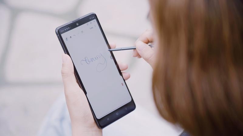 Điện thoại Samsung Galaxy Note 10 Lite | Hiệu năng mạnh mẽ