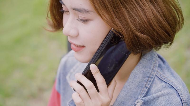 Điện thoại Samsung Galaxy Note 10 Lite | Trải nghiệm cầm nắm