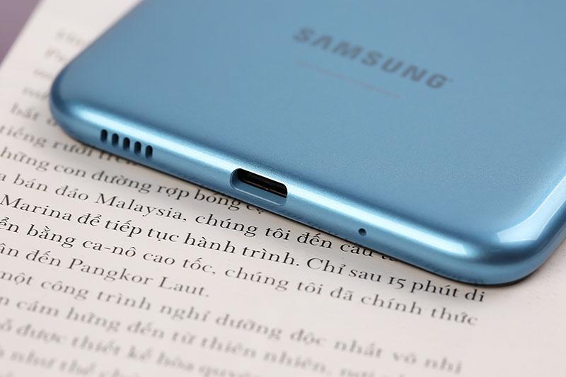 Điện thoại Galaxy A11 dung lượng pin lớn 4000 mAh