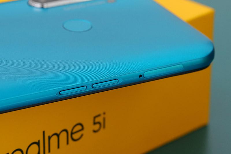 Điện thoại Realme 5i | Thiết kế mặt lưng