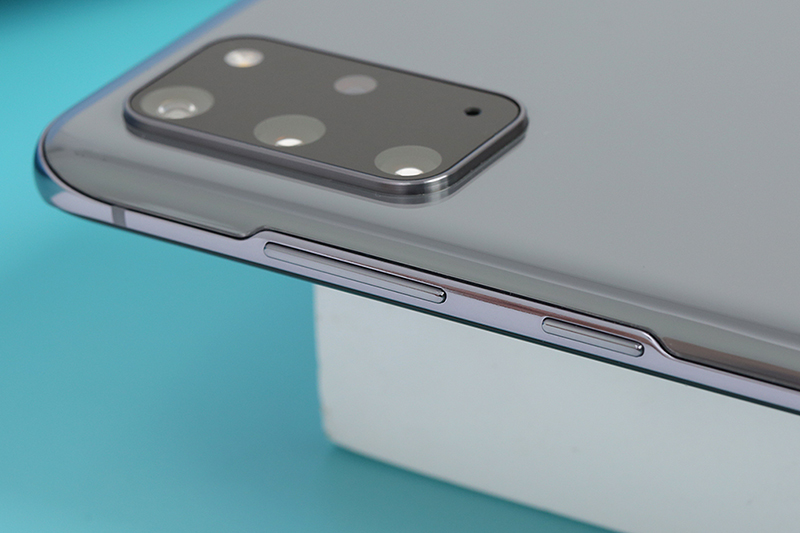 Samsung Galaxy S20 Plus | Viền màn kim loại