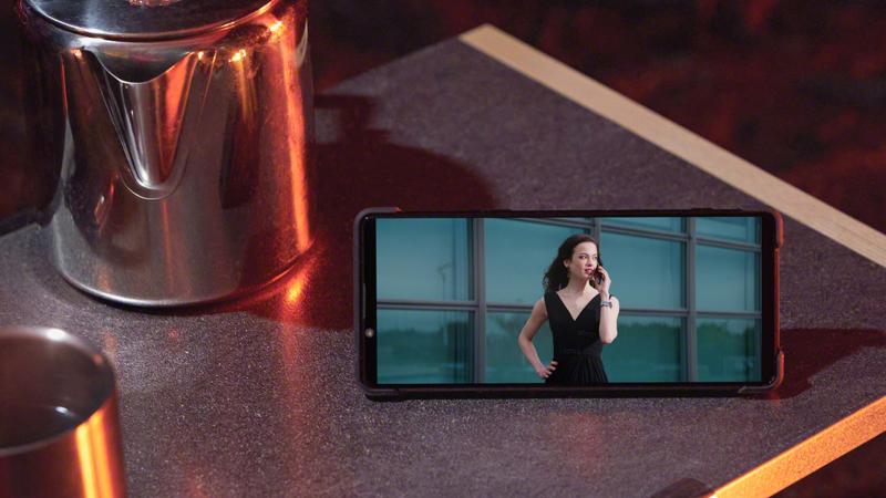 Điện thoại Sony Xperia 1 II | Mặt trước