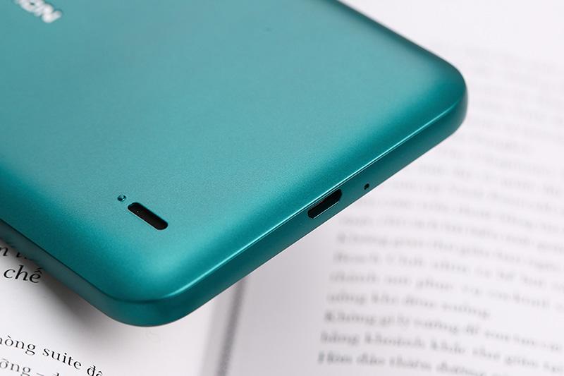 Thời lượng pin đủ dùng của điện thoại Nokia C2