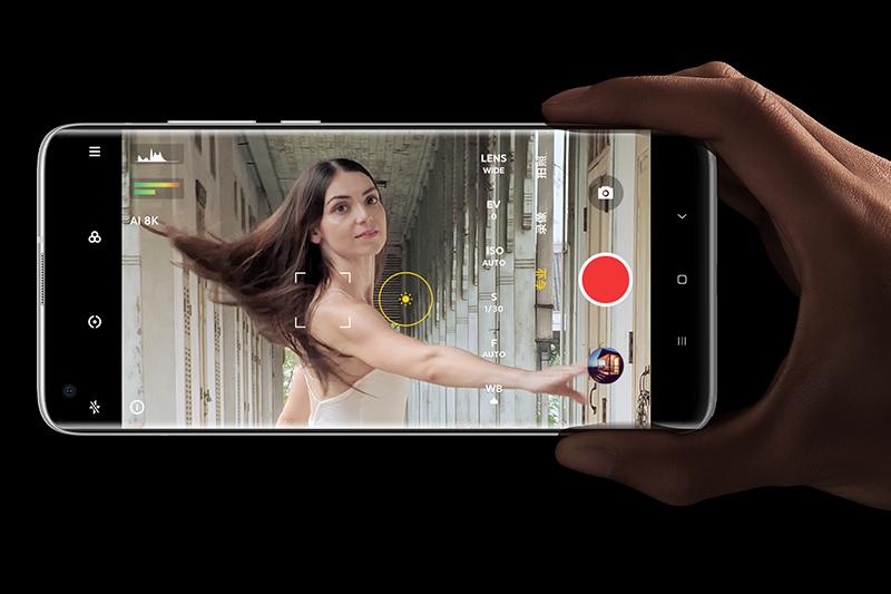 Xiaomi Mi 10S | Hỗ trợ quay được video 8K, với số điểm ảnh gấp 4 lần video 4K