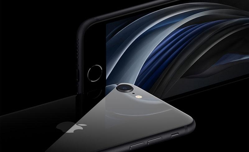 Điện thoại Apple iPhone SE 2020 | Nhận biết nhờ logo Apple đặt ngay chính giữa