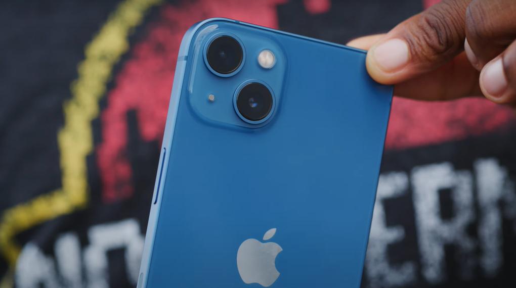 Cụm camera sau sắc nét - iPhone 13 128GB