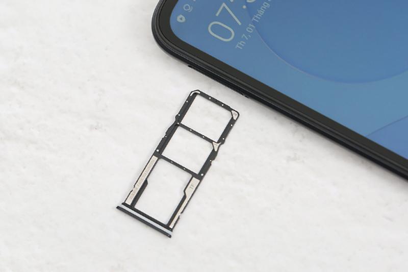 Hỗ trợ thẻ nhớ ngoài lên đến 512 GB | Redmi 9C
