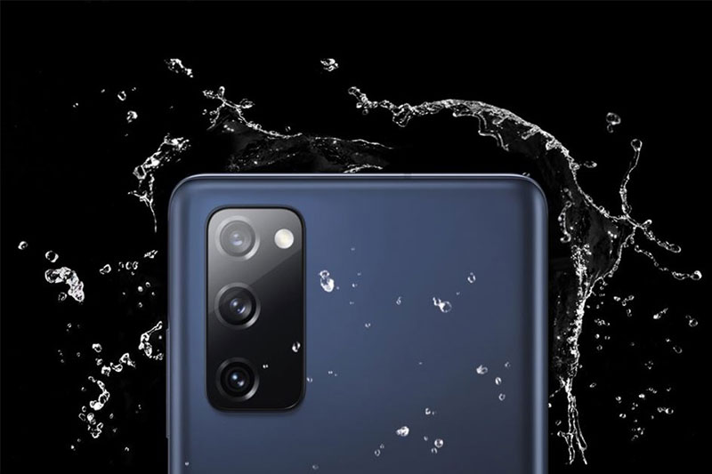Lớp phủ kháng nước, chống bụi chuẩn IP68 - Samsung Galaxy S20 FE