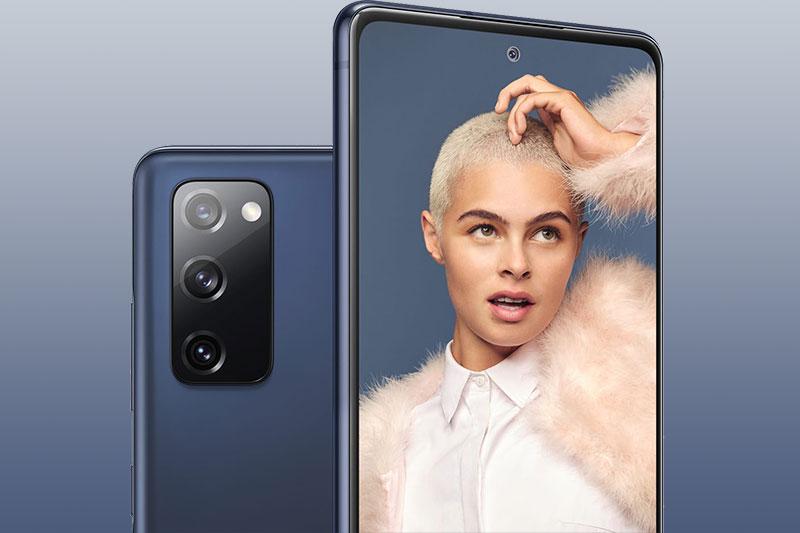 Camera selfie 32 MP hỗ trợ tính năng làm đẹp AI, quay video Full HD - Samsung Galaxy S20 FE