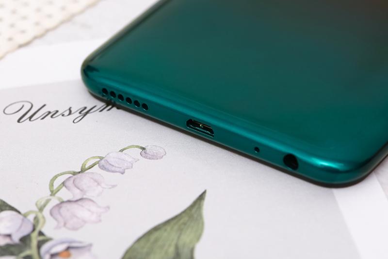 Trang bị cổng sạc Micro USB thông dụng - Vivo Y1s