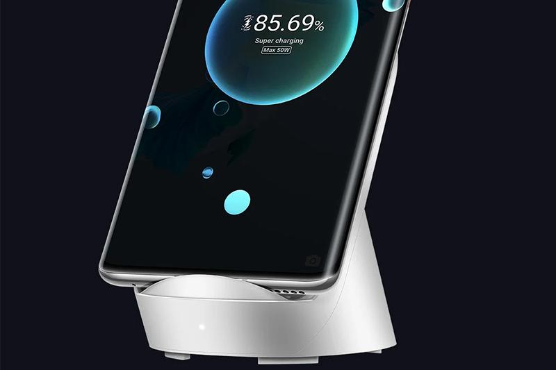 Huawei Mate 40 Pro | Tích hợp khả năng sạc nhanh không dây lên tới 50W