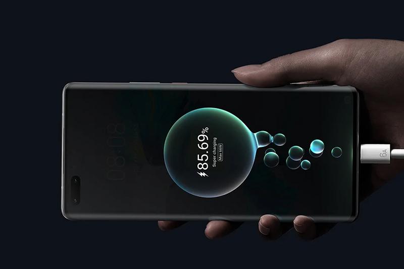 Huawei Mate 40 Pro | Viên pin 4400 mAh, khả năng sạc pin nhanh 66 W