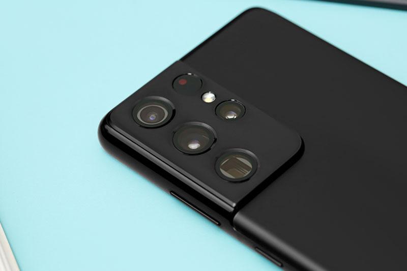 Mặt sau nổi bật với cụm mô-đun 4 camera trang bị đèn flash LED | Samsung Galaxy S21 Ultra 5G