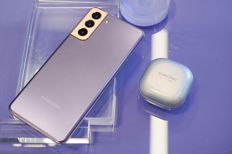 Điện thoại Samsung Galaxy S21+ 5G·| Khả năng sạc cho các thiết bị phụ kiện khác
