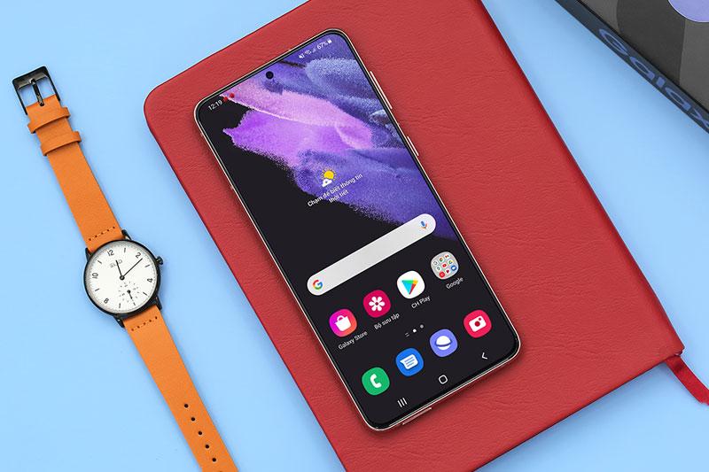 Điện thoại Samsung Galaxy S21+ 5G | Màn hình đắm chìm trong mọi giác quan
