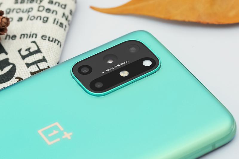 Điện thoại OnePlus 8T 5G | Cận cảnh bộ 4 camera sau
