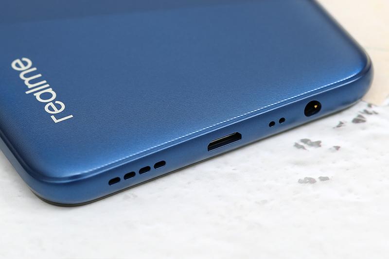 Điện thoại Realme C12 | Cổng sạc có sạc nhanh