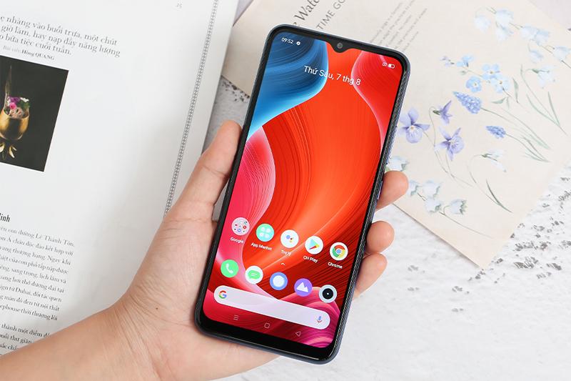 Điện thoại Realme C12 | Màn hình tràn viền 6.5 inch ấn tượng