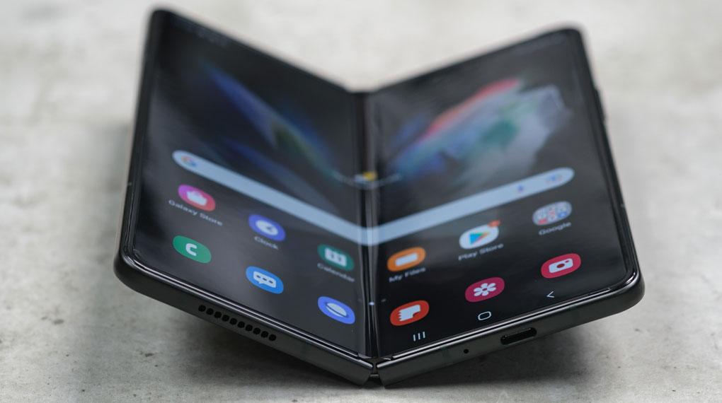 Samsung Galaxy Z Fold3 5G   Kết cấu khung viền chắc chắn