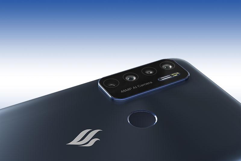 Cụm 4 camera chất lượng nằm gọn trong khung hình chữ nhật - Vsmart Live 4 6GB