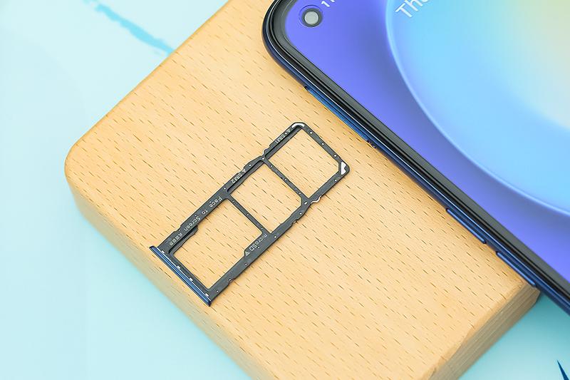 Điện thoại có hỗ trợ thẻ nhớ ngoài - Realme 7 Pro