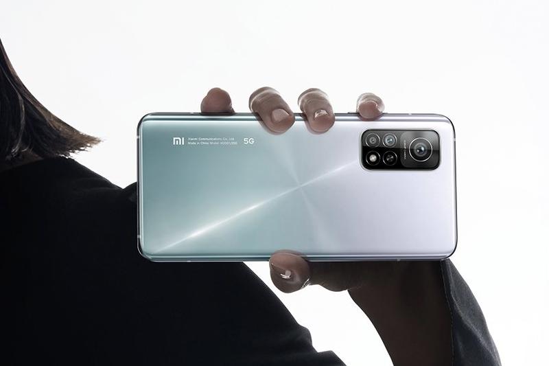 Xiaomi Mi 10T Pro 5G | Thiết kế ấn tượng, mặt lưng kính bóng bẩy