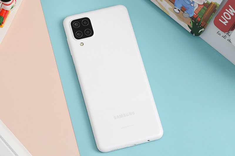 Samsung Galaxy A12 | Thiết kế chắc chắn bền bỉ