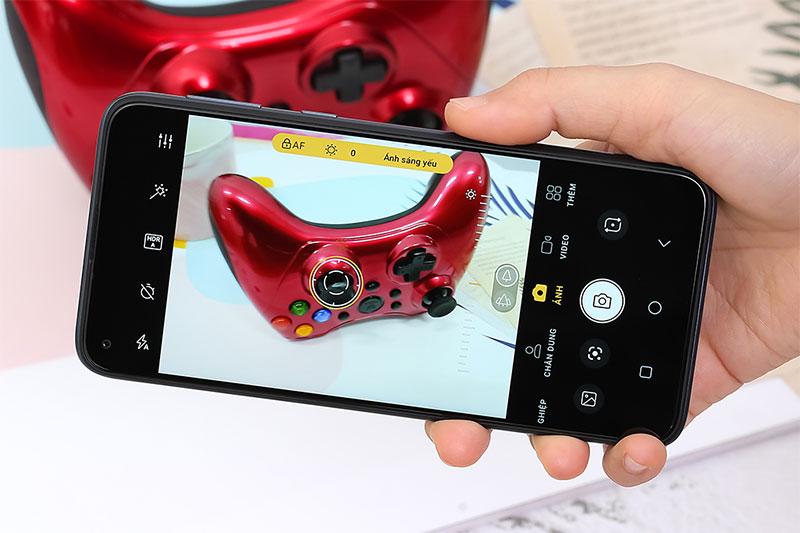 Camera chính 16 MP hỗ trợ chế độ chụp AI cho ảnh sắc nét, chất lượng - Vsmart Joy 4