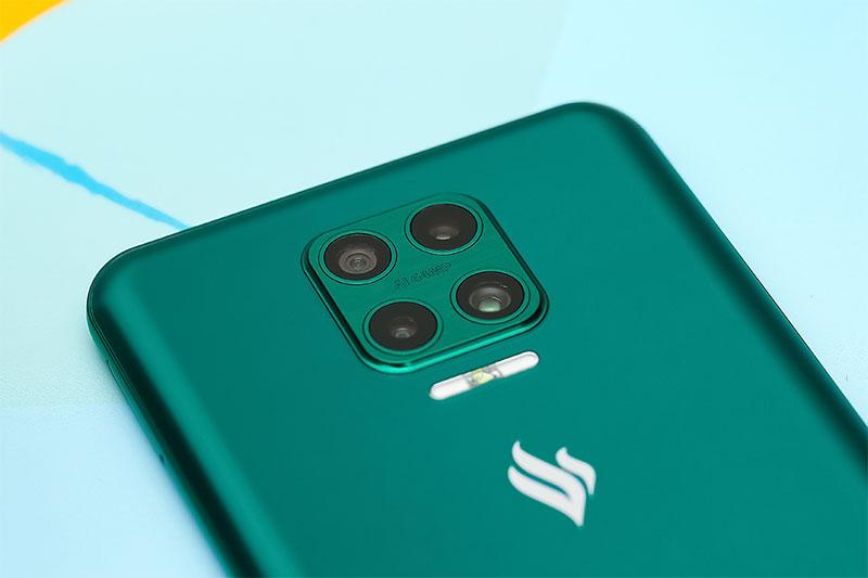 Cụm 4 camera thiết kế model hình vuông độc đáo - Vsmart Aris