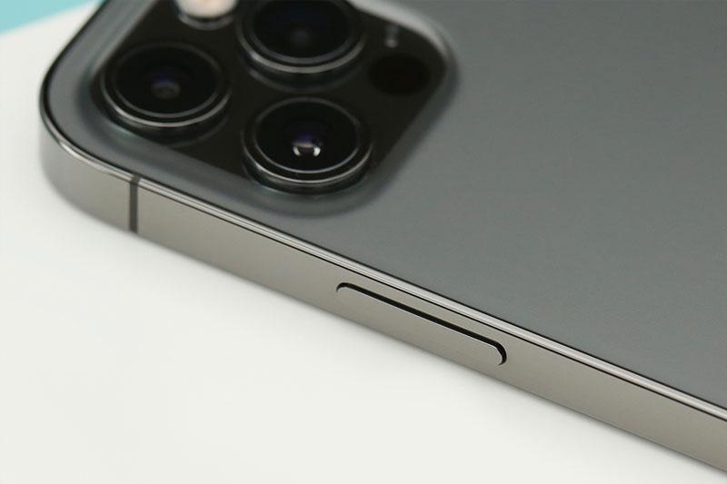 Khung viền sử dụng thép không gỉ cao cấp | iPhone 12 Pro